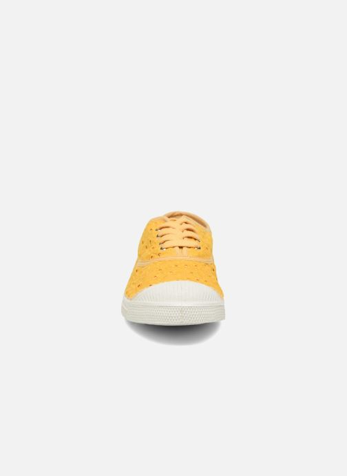 Baskets Bensimon Tennis Broderie Anglaise Jaune vue portées chaussures