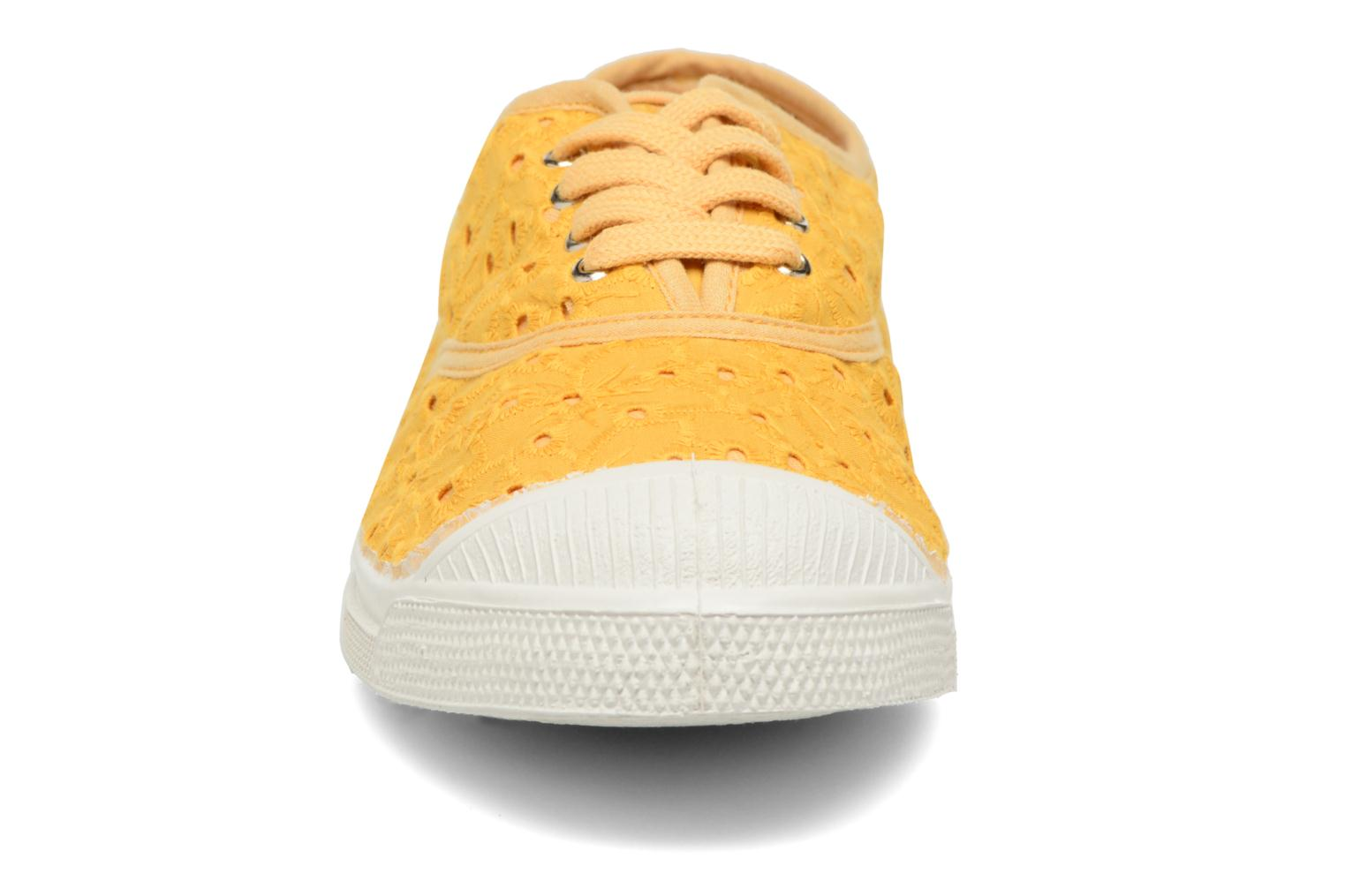 Trainers Bensimon Tennis Broderie Anglaise Yellow model view