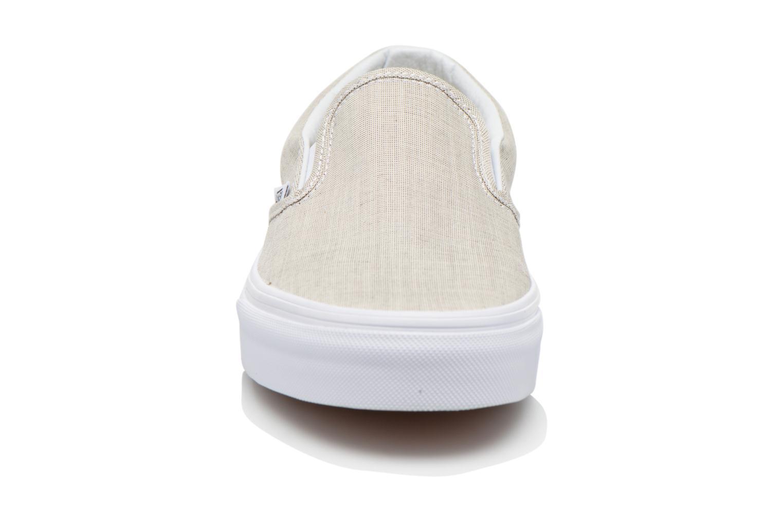 Baskets Vans Classic Slip-On W Beige vue portées chaussures
