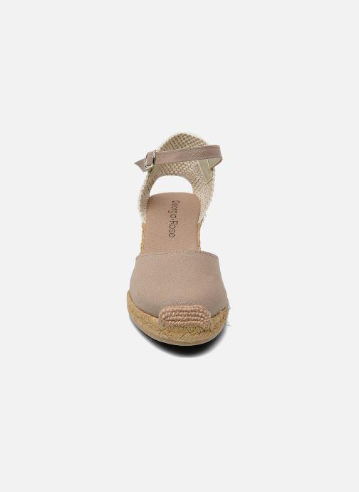 Sandalen Georgia Rose Ipona beige schuhe getragen