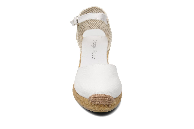 Sandalen Georgia Rose Ipona weiß schuhe getragen