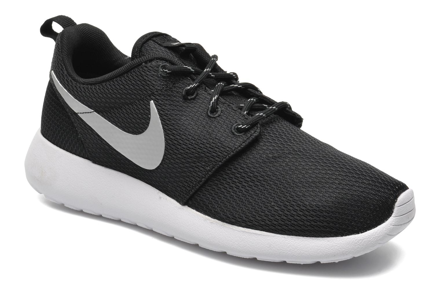 cheap nike roshe run blanc noir hyper punch c666d a4052