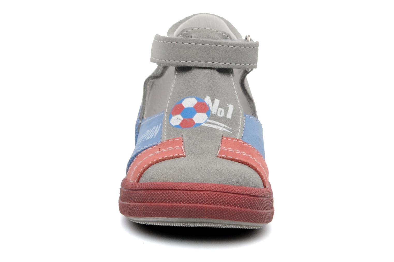 Sandali e scarpe aperte Bopy ZIBERI Grigio modello indossato