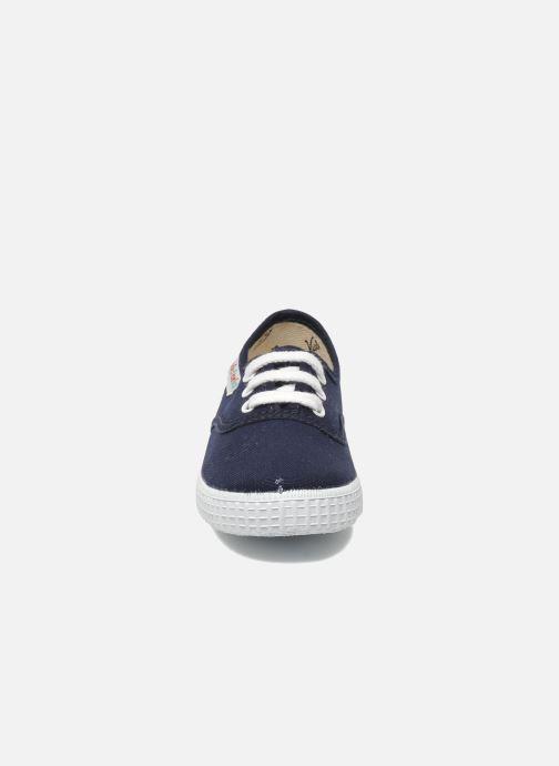 Sneakers Victoria Inglesa Lona Azzurro modello indossato