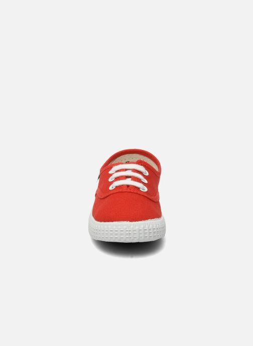 Sneakers Victoria Inglesa Lona Rosso modello indossato
