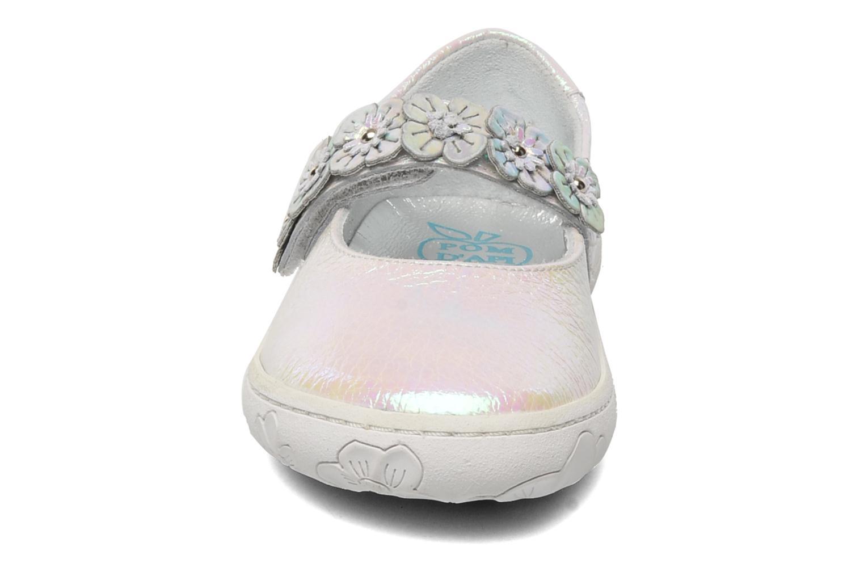 Ballerines Pom d Api MAPLE VELCRO SANDAL Blanc vue portées chaussures