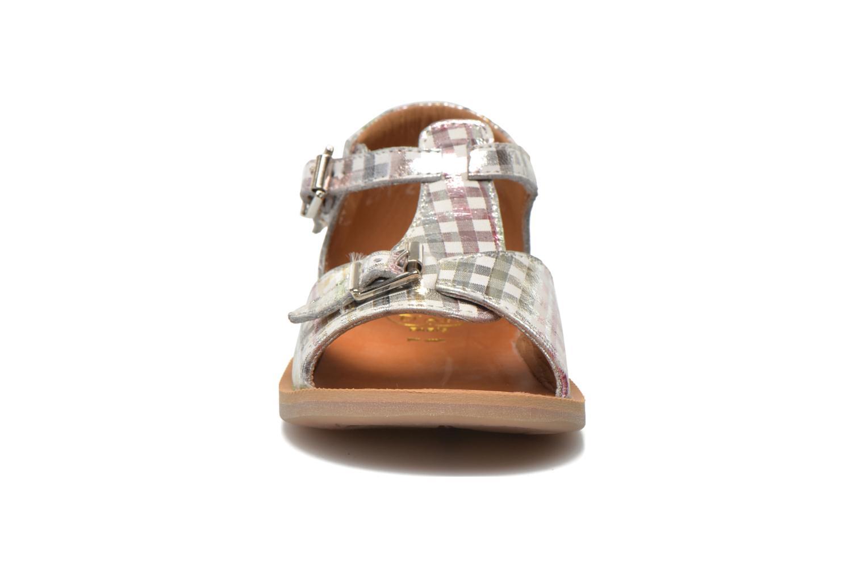 Sandales et nu-pieds Pom d Api POPPY BUCKLE Argent vue portées chaussures