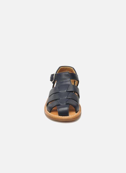Sandales et nu-pieds Pom d Api Yapo Papy Buckle Bleu vue portées chaussures