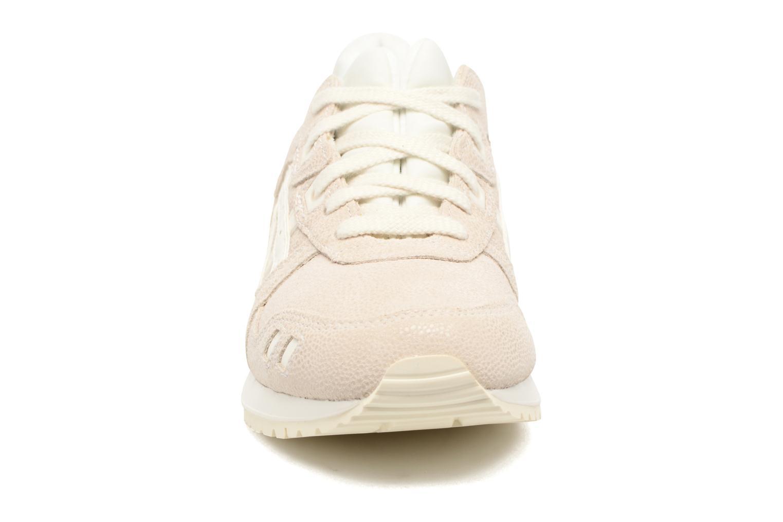 Baskets Asics Gel-Lyte III W Beige vue portées chaussures