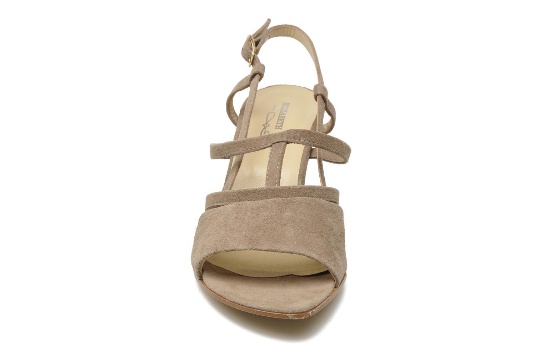 Sandales et nu-pieds Elizabeth Stuart Bamby 300 Beige vue portées chaussures