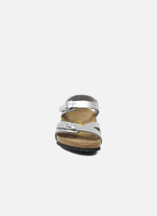 Sandales et nu-pieds Birkenstock Rio Plain Birko Flor Argent vue portées chaussures