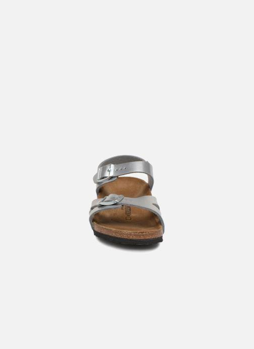 Sandalen Birkenstock Rio Birko Flor silber schuhe getragen