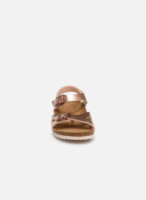 Sandalen Birkenstock Rio Birko Flor gold/bronze schuhe getragen