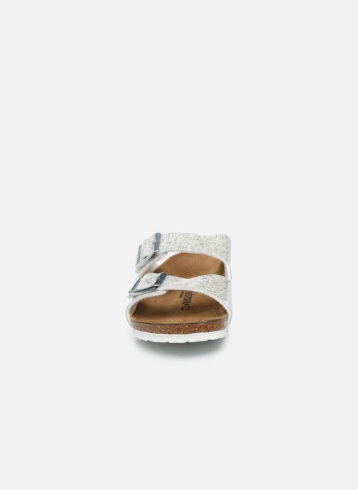 Sandales et nu-pieds Birkenstock ARIZONA Birko-Flor Argent vue portées chaussures