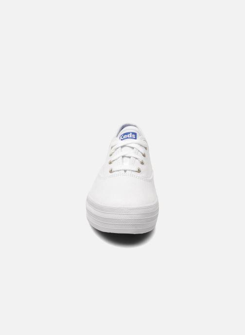 Sneaker Keds Triple weiß schuhe getragen