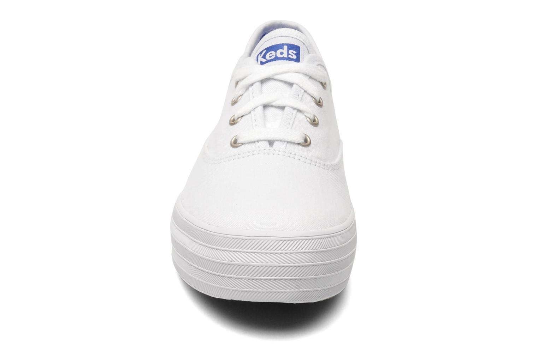 Baskets Keds Triple Blanc vue portées chaussures