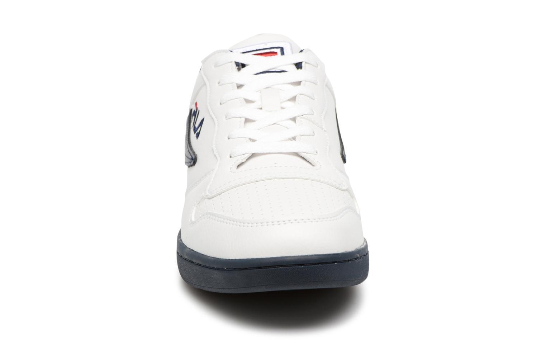 Baskets FILA FX-100 Low Blanc vue portées chaussures