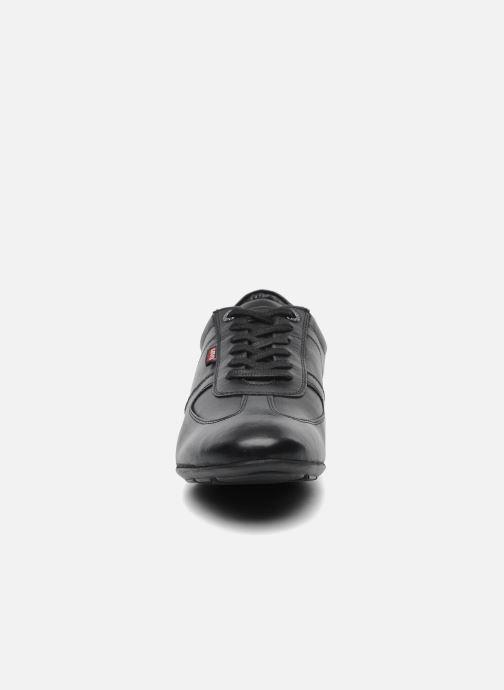 Sneakers Levi's Chula Vista Sort se skoene på