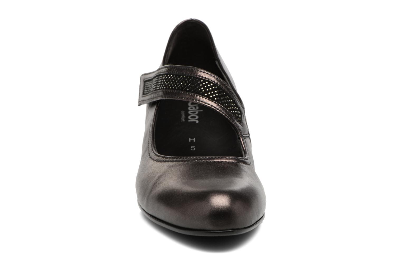 Zapatos de tacón Gabor Chiara Gris vista del modelo