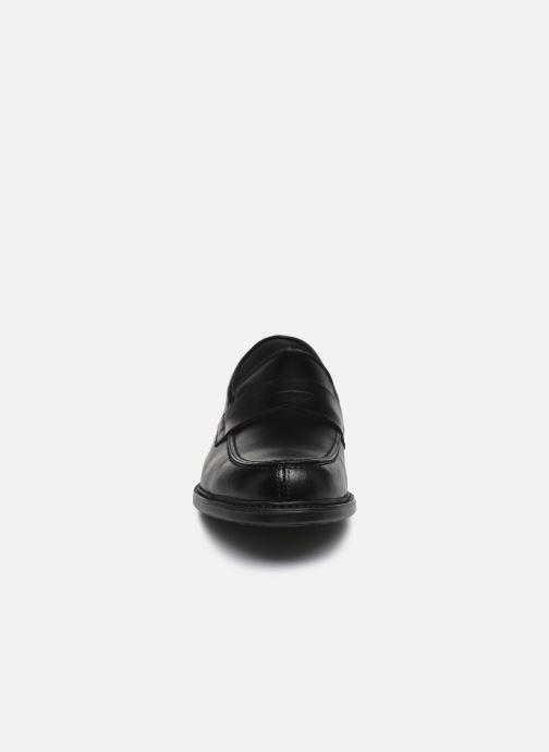 Mocasines Fluchos Simon 8721 Negro vista del modelo