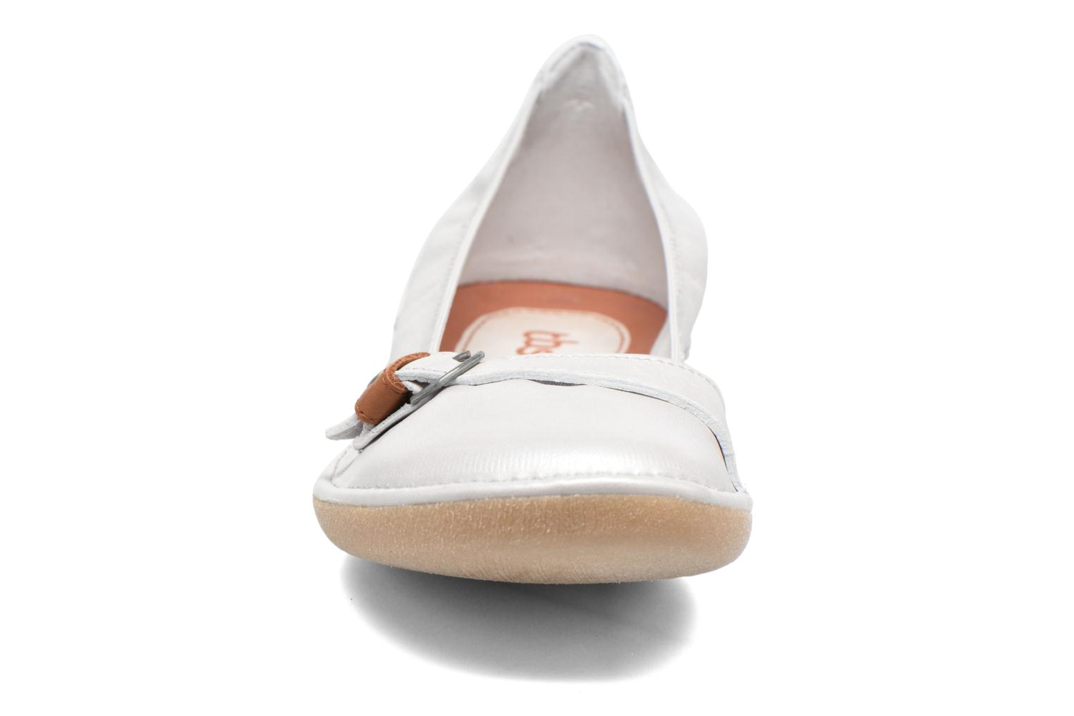 Ballet pumps TBS Maline White model view