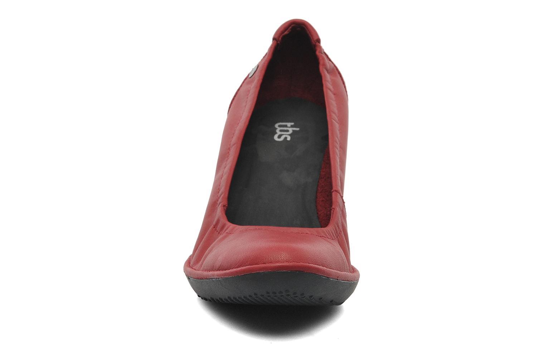 Escarpins TBS Frimma Rouge vue portées chaussures