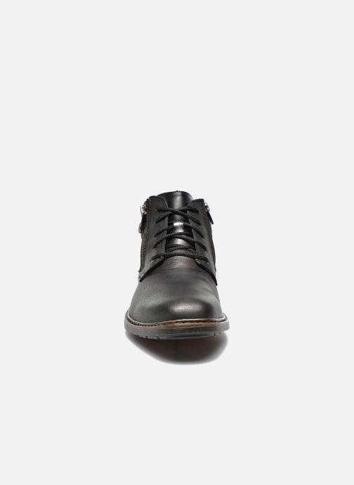 Scarpe con lacci Rieker Gaspa F1230 Nero modello indossato
