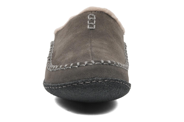 Chaussons Sorel Falcon Ridge Gris vue portées chaussures