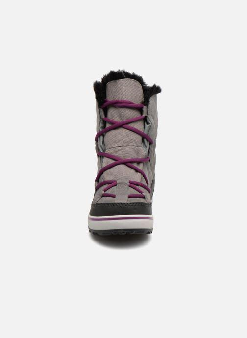 Chaussures de sport Sorel Glacy Explorer Shortie Gris vue portées chaussures