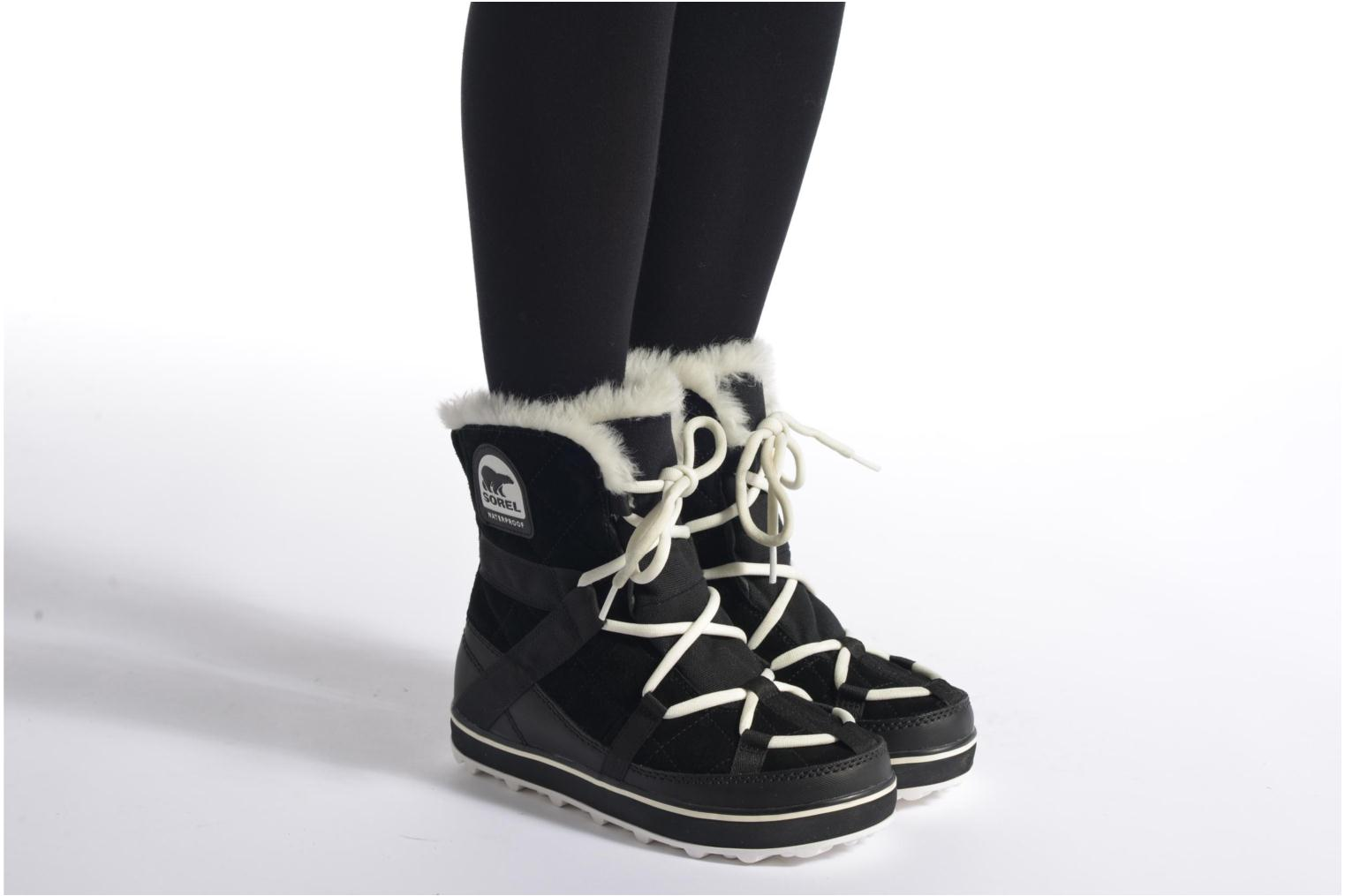 Sport shoes Sorel Glacy Explorer Shortie Black view from underneath / model view