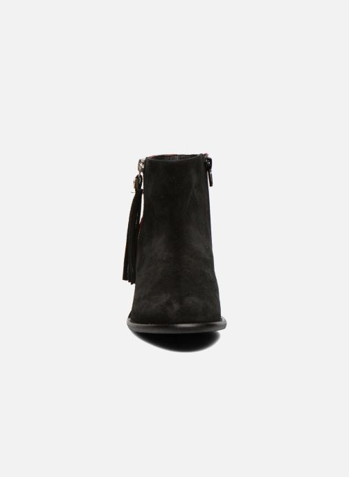 Ankle boots Yep Amelle Black model view