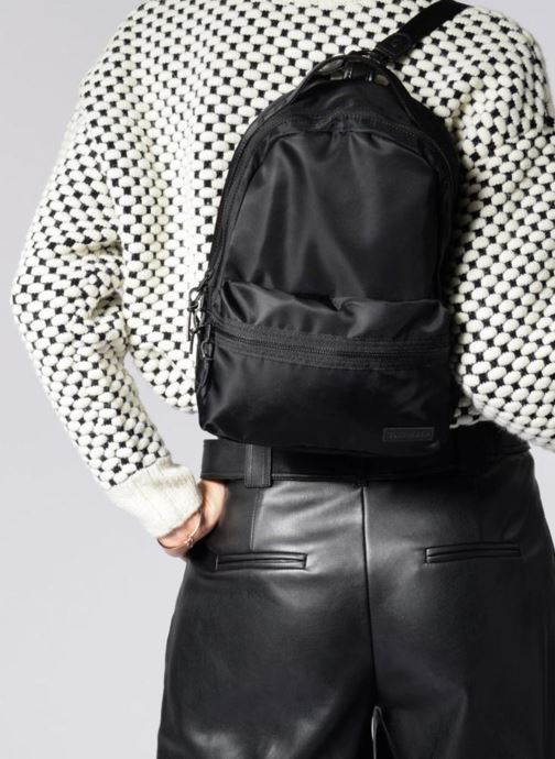 Mochilas Converse Mini Backpack Negro vista de abajo