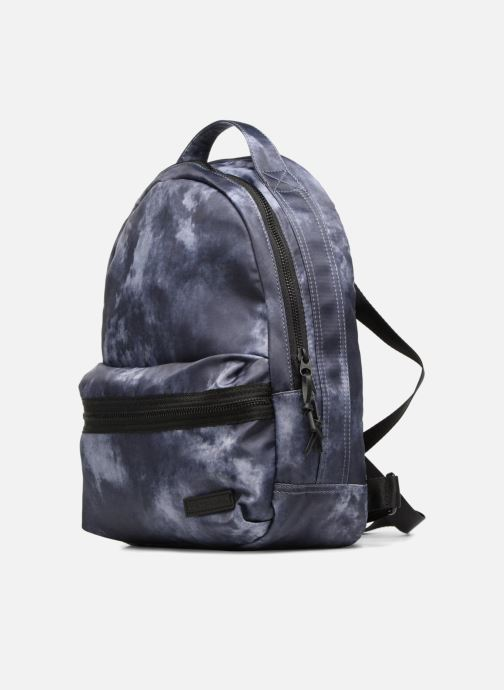 Mochilas Converse Mini Backpack Gris vista del modelo