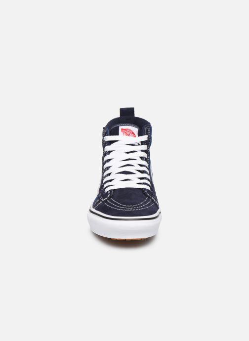 Baskets Vans SK8-Hi MTE Bleu vue portées chaussures