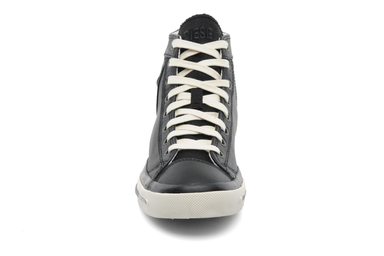 Sneakers Diesel Exposure IV W Nero modello indossato