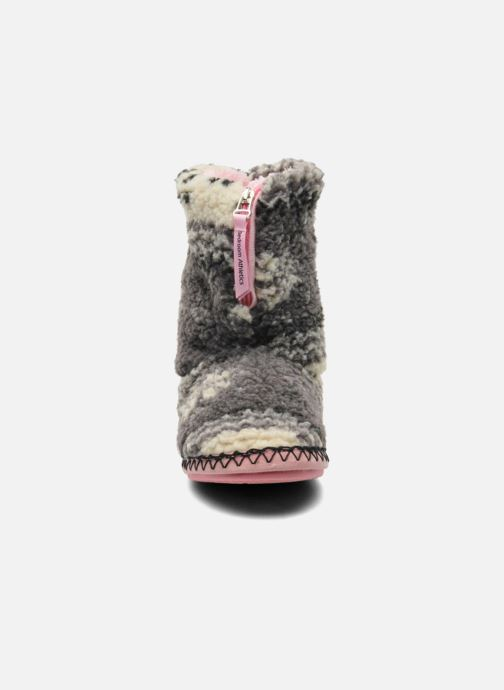 Chaussons BEDROOM ATHLETICS Jessica Gris vue portées chaussures