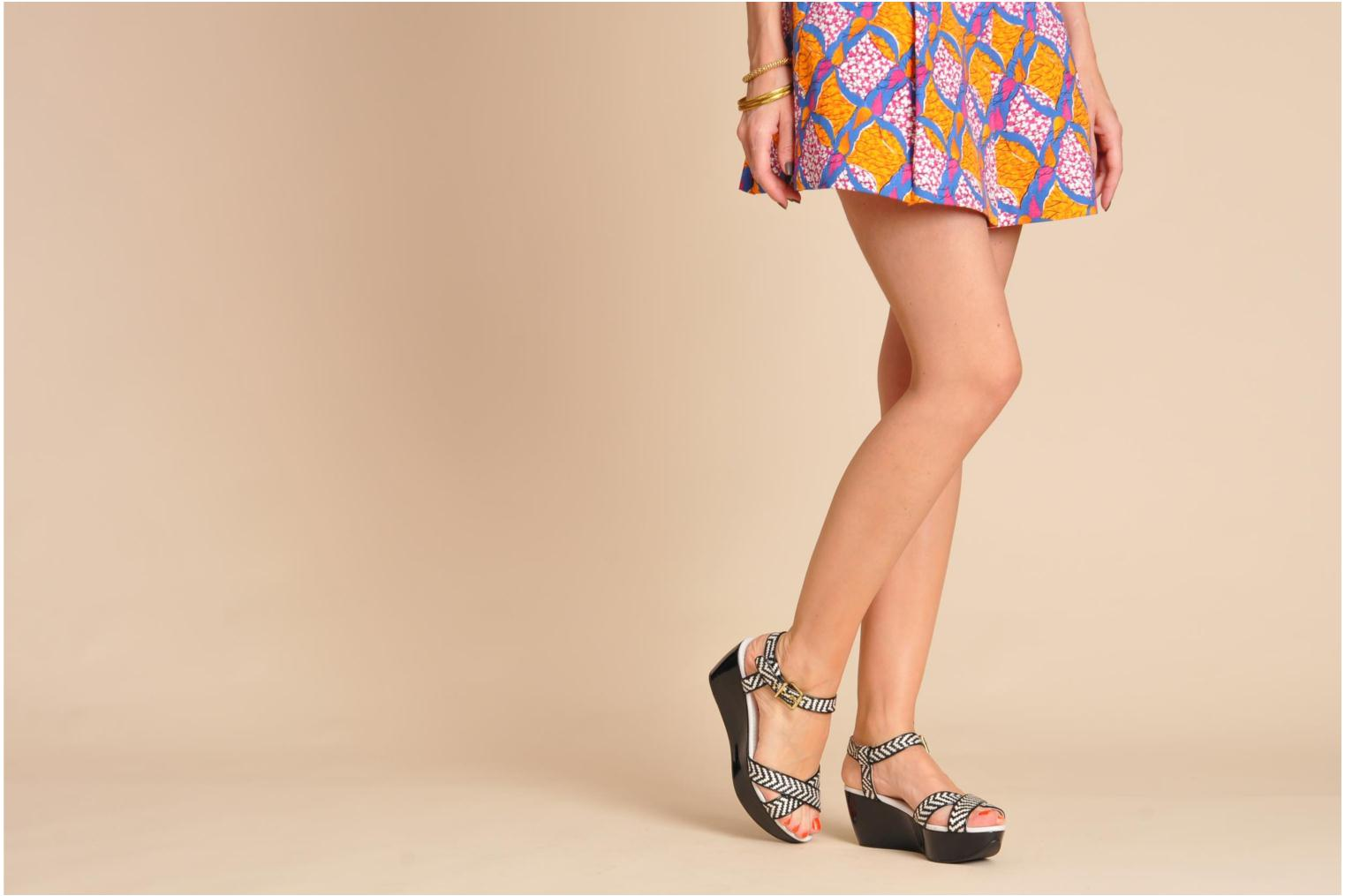 Sandals Elle Iena Black view from underneath / model view