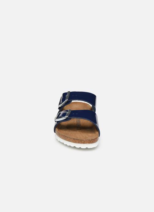 Mules et sabots Birkenstock Arizona Cuir W Bleu vue portées chaussures