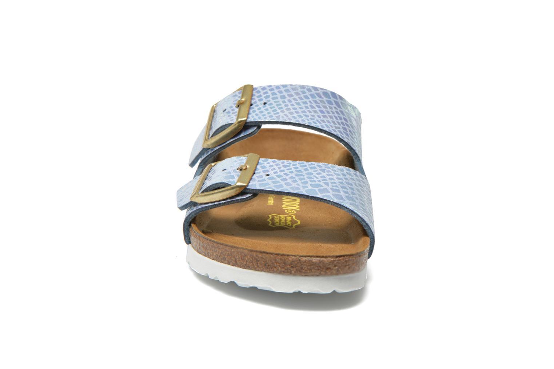 Mules et sabots Birkenstock Arizona Flor W Bleu vue portées chaussures