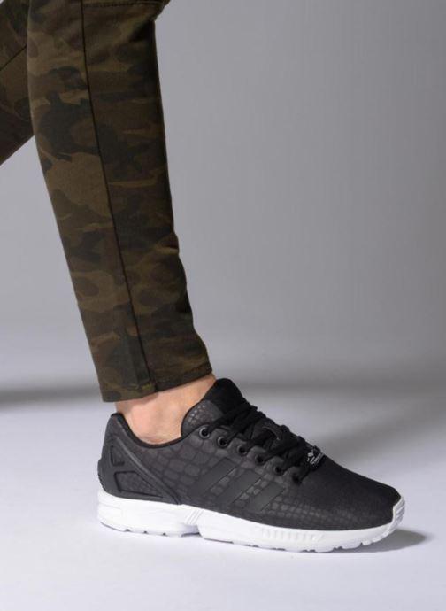 Baskets adidas originals Zx Flux W Noir vue bas / vue portée sac