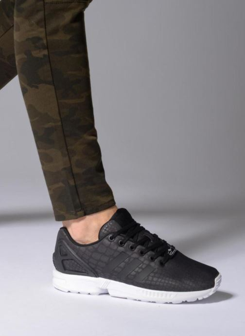 Trainers adidas originals Zx Flux W Grey view from underneath / model view