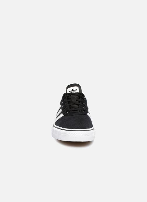 Deportivas adidas originals Adi-Ease Negro vista del modelo