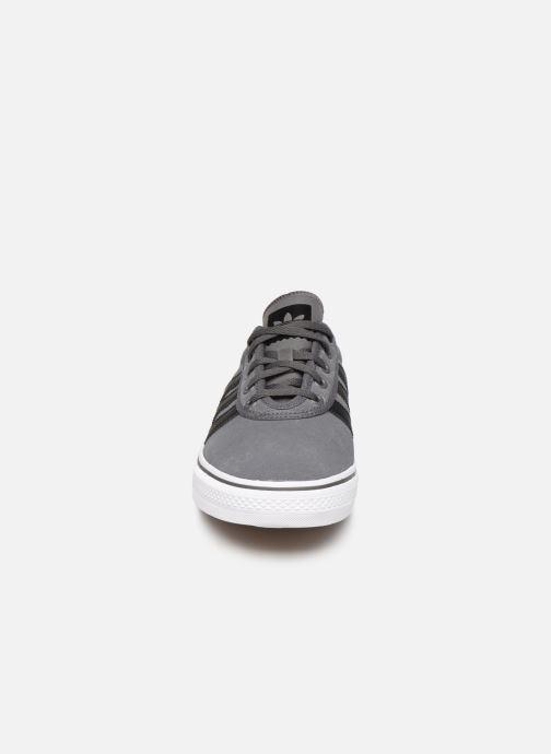 Trainers adidas originals Adi-Ease Grey model view