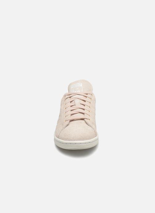 Sneakers adidas originals Stan Smith W Beige modello indossato
