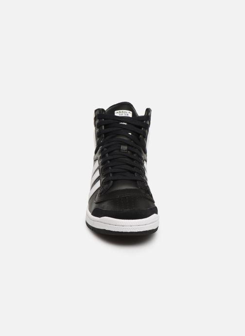 Sneakers adidas originals Top Ten Hi Nero modello indossato