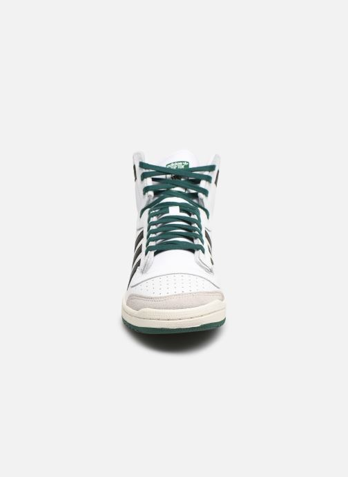 Sneakers adidas originals Top Ten Hi Bianco modello indossato