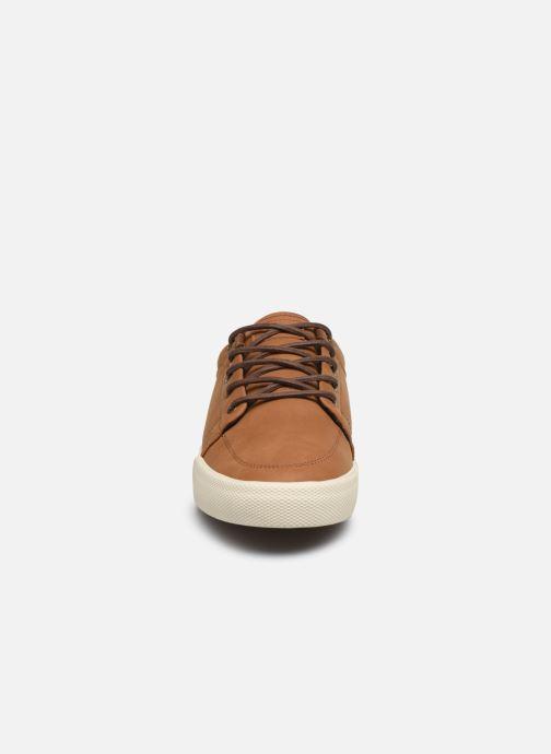 Sneakers Globe Gs Marrone modello indossato