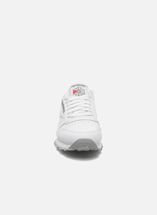 Sneaker Reebok Classic Leather weiß schuhe getragen