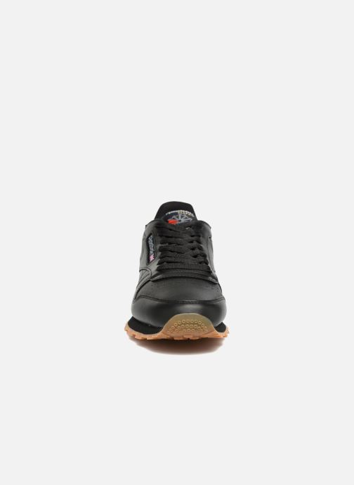 Deportivas Reebok Classic Leather Negro vista del modelo