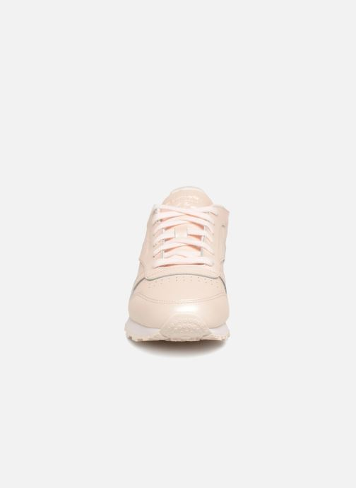 Baskets Reebok Classic Leather W Rose vue portées chaussures